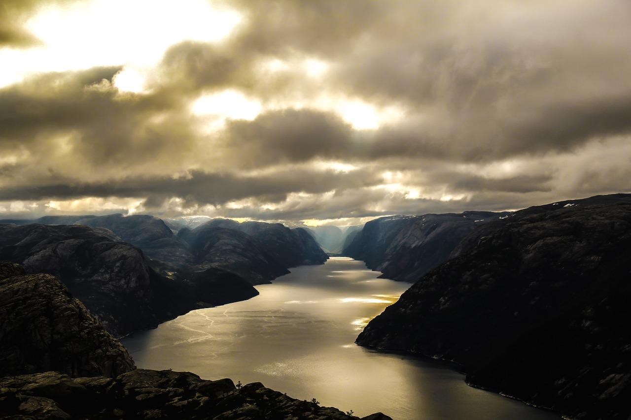 Inspektion von Stromtrassen in Norwegen mit Drohne